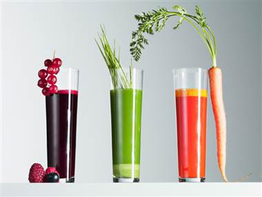 Suppler kuren med masser af holdningsløs juicer. Fås i helsekostbutikken eller via nettet.